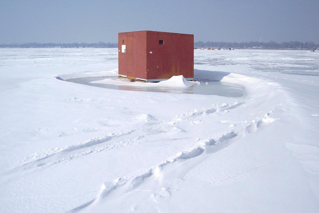 ice fishing 6.jpg