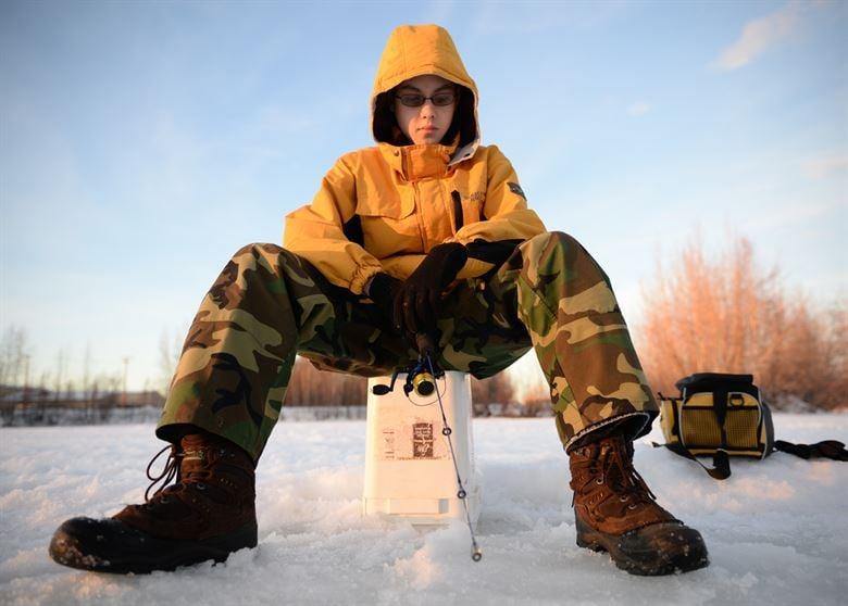 ice fishing 9.jpg