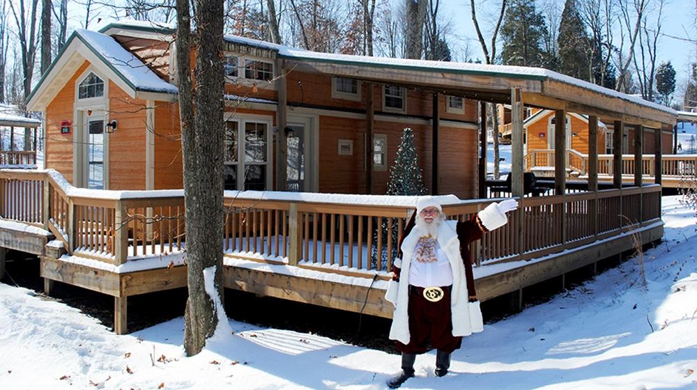 Lake-Rudolph-Christmas-Cabin-web.jpg